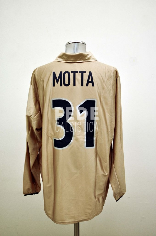 0007__2__barcelona_31_thiago_motta_2001_2002_champions_league