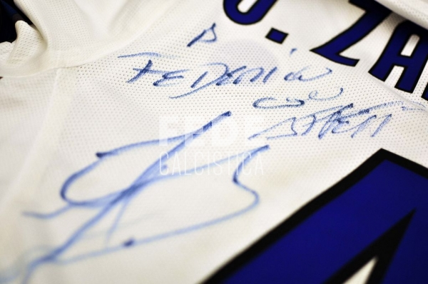 0192__4__internazionale_4_j_zanetti_2010_2011_champions_league
